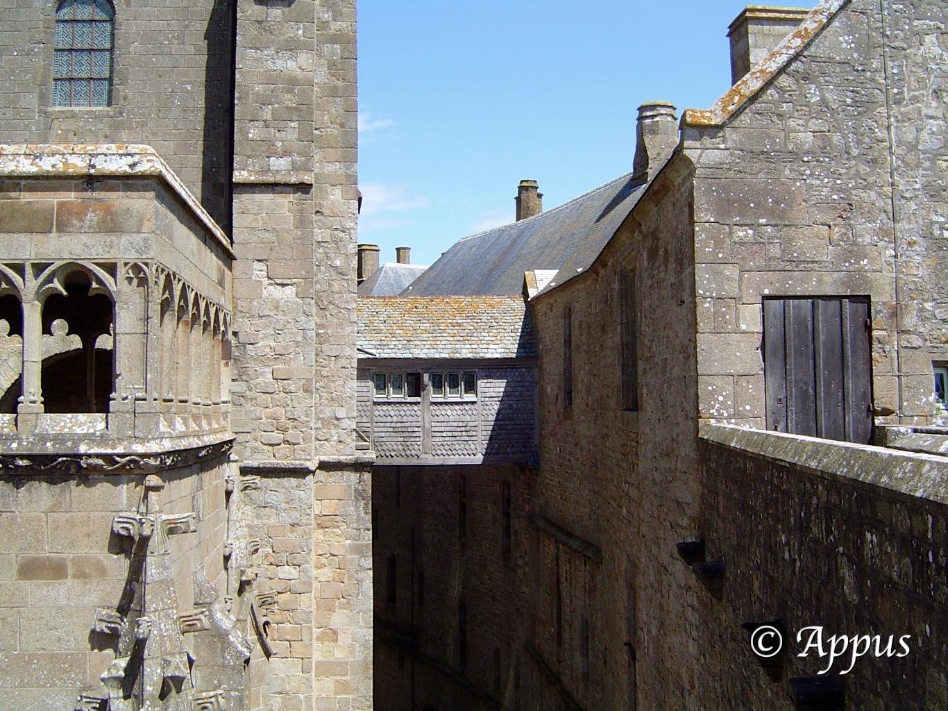 Le mont saint michel vu de l int rieur appus photos for Mont saint michel interieur